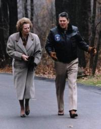 Ronald Regan i Margaret Tačer